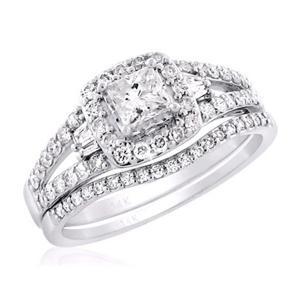 Bold Princess Halo-Styled Diamond Bridal Set