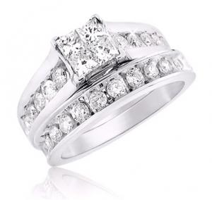 Glimmering Princess Cut Bridal Set In 14k White Gold