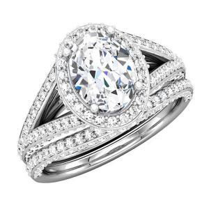OVAL DIAMOND SPLIT SHANK HALO BRIDAL SET