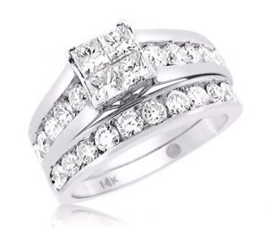 PRINCESS CUT DIAMOND BRIDAL SET IN 14K WHITE GOLD