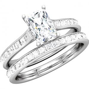 RADIANT CUT DIAMOND BRIDAL SET