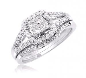 SPLIT-SHANK HALOED PRINCESS CUT DIAMOND BRIDAL SET